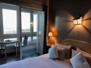Lit Loggia hotel saint jean de luz la caravelle   ch 11 tete de lit et loggia