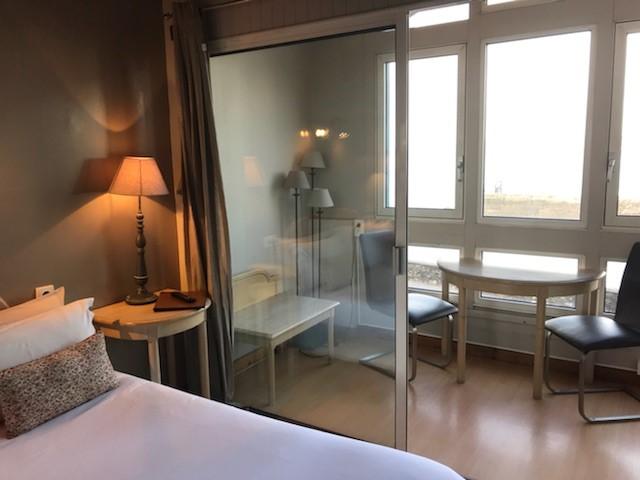 Lit Loggia hotel saint jean de luz la caravelle   ch 12 tete de lit et loggia